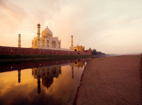 maharaja-express through Taj Mahal